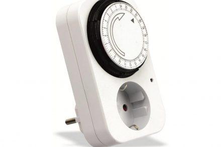 Ημερήσιος Χρονοδιακόπτης Πρίζας max3500W με κάλυμμα προστασίας σε λευκό χρώμα