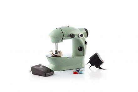 Mini Φορητή Ραπτομηχανή με Μπουτόν Ποδιού και 2 ταχύτητες 6V 800 mA σε Πράσινο χρώμα
