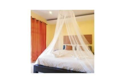 Κουνουπιέρα για Διπλό Κρεβάτι με Στεφάνι σε Λευκό χρώμα