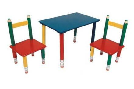 Παιδικό Σετ ξύλινο Τραπεζάκι με 2 Καρέκλες και πόδια Ξυλομπογιές διαστάσεων 60x39x42cm - Aria Trade